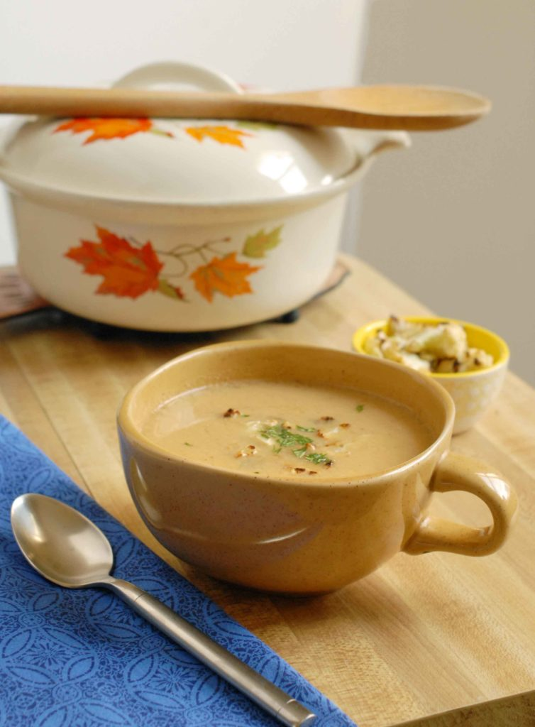 Roasted Cauliflower soup with smoked gouda